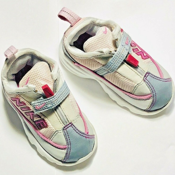 Nike Shoes | Play Toddler Girl Size 6c